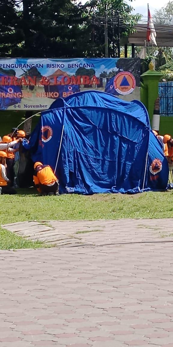 Lomba Mendirikan Tenda Keluarga Pengurangan Resiko  Bencana