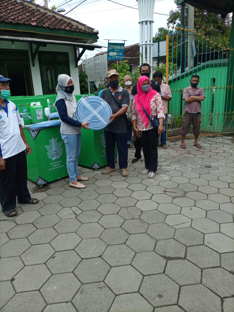Penyerahan Wastafel Portabel Dari BPBD Kota  Yogyakarta Untuk  14 RW Se Kelurahan Purbayan